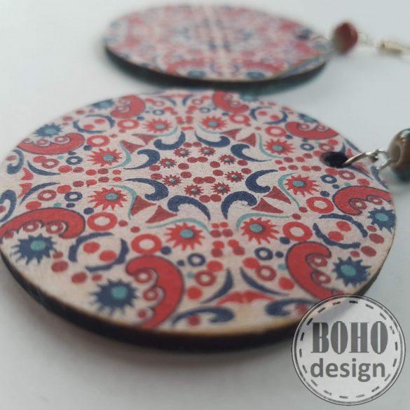 Piros apró csempemintás aszimmetrikus BOHOdesign fülbevaló